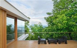 Chiêm ngưỡng ngôi nhà xây trên đồi với những góc view ấn tượng