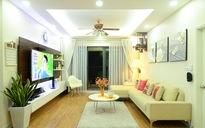 Ngắm căn hộ chung cư toàn sắc trắng của đôi vợ chồng trẻ ở Hà Nội