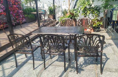 Hoàn thiện bộ bàn ghế sân vườn cao cấp tại nhà chị Yến