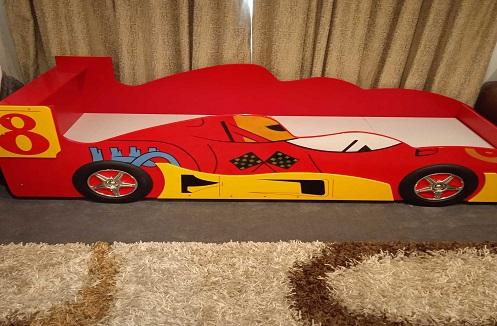 Hoàn thiện giường ngủ ô tô cho bé trai nhập khẩu tại nhà chị Khánh