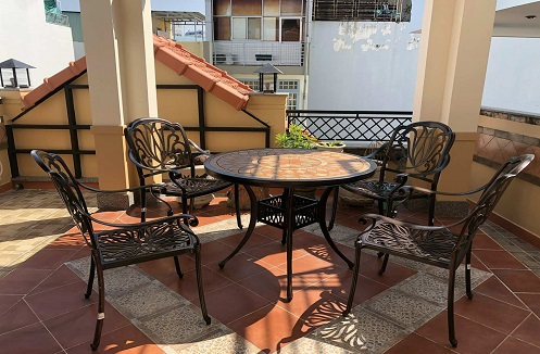 Hoàn thiện bộ bàn ghế sân vườn nhập khẩu tại nhà anh Nghĩa