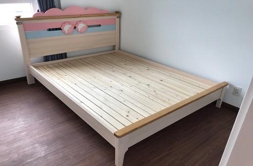 Hoàn thiện giường ngủ cho bé gái cao cấp dễ thương tại nhà chị Hà