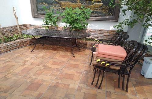 Hoàn thiện bộ bàn ghế sân vườn hiện đại tại nhà chị Thu