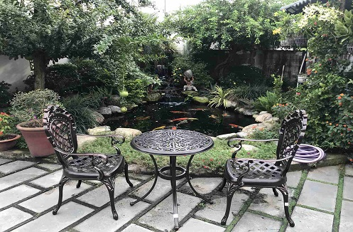 Hoàn thiện bộ bàn ghế sân vườn thiết kế họa tiết độc đáo tại nhà chị Hồng