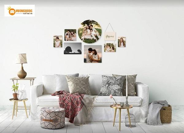 Bật mí cách treo ảnh gia đình trong phòng khách đúng chuẩn