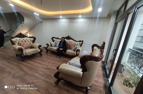 Hoàn thiện bộ bàn ghế sofa sang trọng nhập khẩu tại nhà chị Diệp