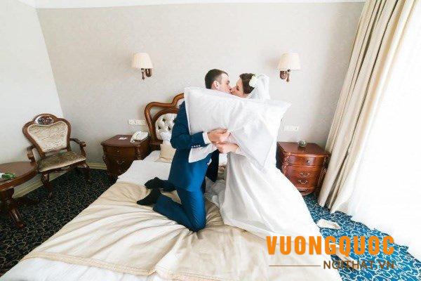 Gợi ý cách chọn mua ga giường cưới cho vợ chồng sớm sanh quý tử